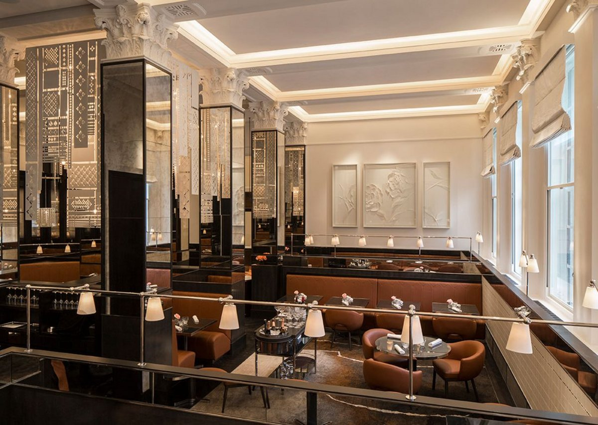 Evo-Blade razor edge trim and Oscar Elite smooth acoustic plaster throughout La Dame De Pic Restaurant at the Four Seasons Hotel London.