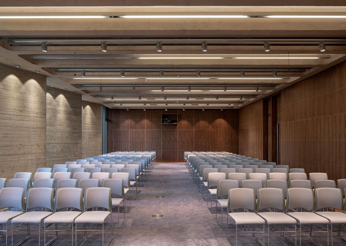 Softer carpet and timber take the edge off the echoes in the lecture room.