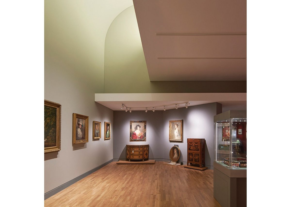 The Large Gallery is subdivided, with filtered daylight from cowl-like north lights.