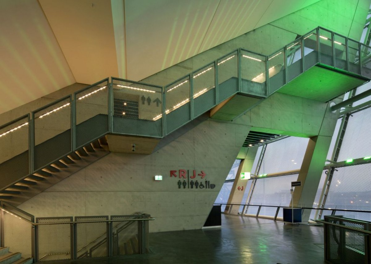 The Hydro Arena – integrated task and 3-hour emergency lighting, resulting in a uniformly lit 2.4m stair treads.