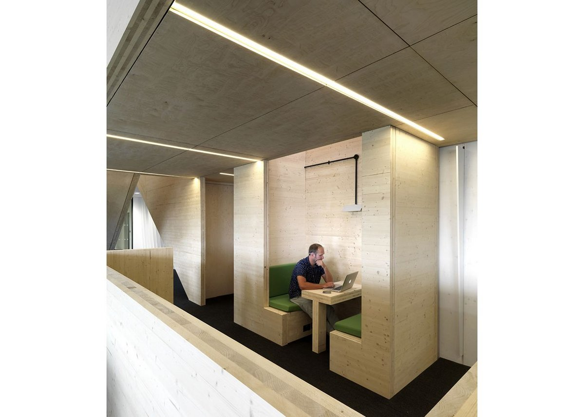 There are also spaces for private working or one-to-one meetings.
