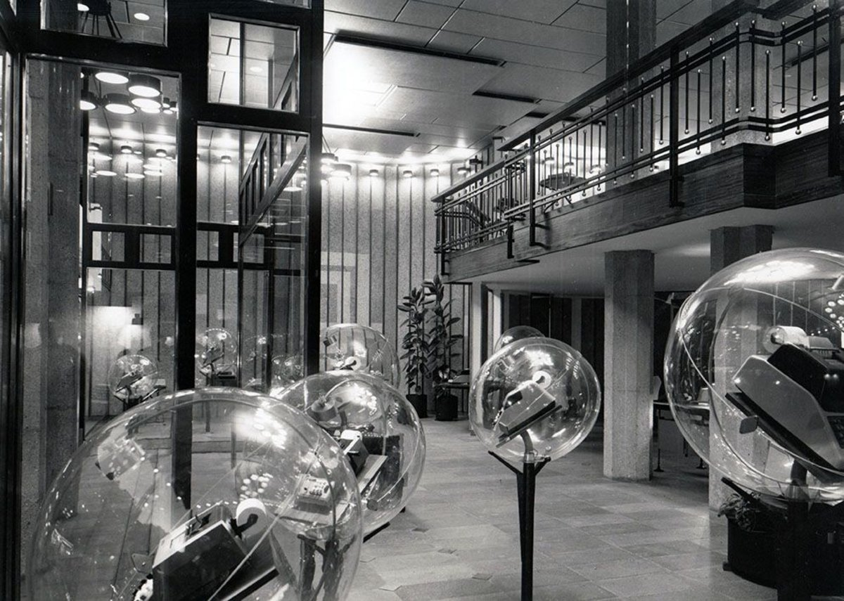 Olivetti Showroom, Barcelona – Spain, designed by BBPR 1965. Photo F. Català Roca. Courtesy of Navone Associati, Milan.