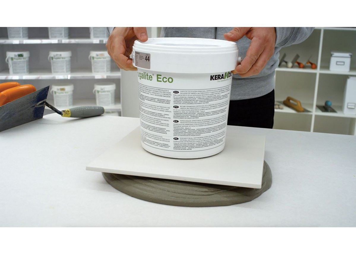 Biogel adhesives support the tile and do not shrink.