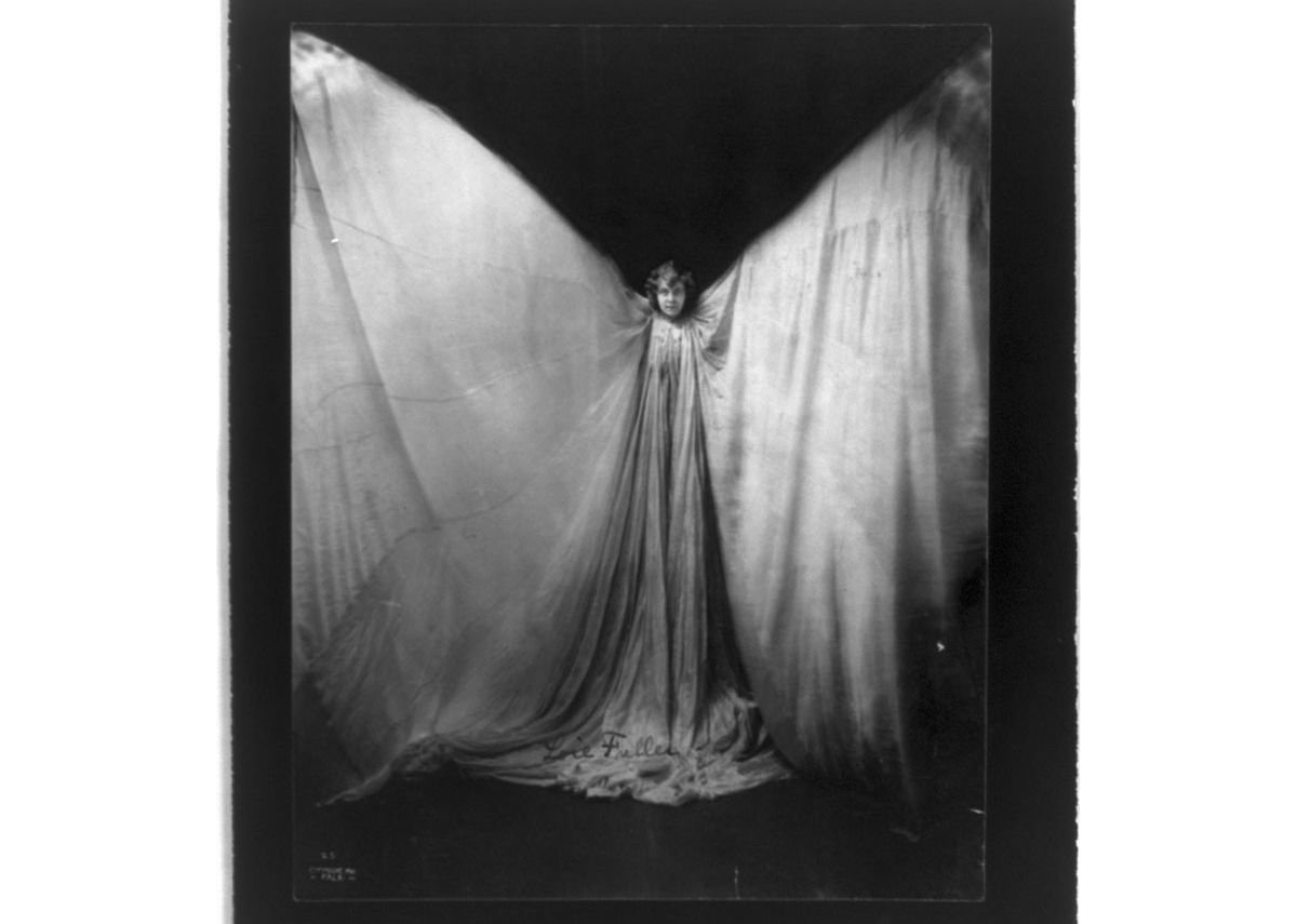 Unknown photographer (attributed to Falk Studio) of Loïe Fuller, c. 1901. Courtesy of the Library of Congress, Prints & Photographs Division, Washington, DC