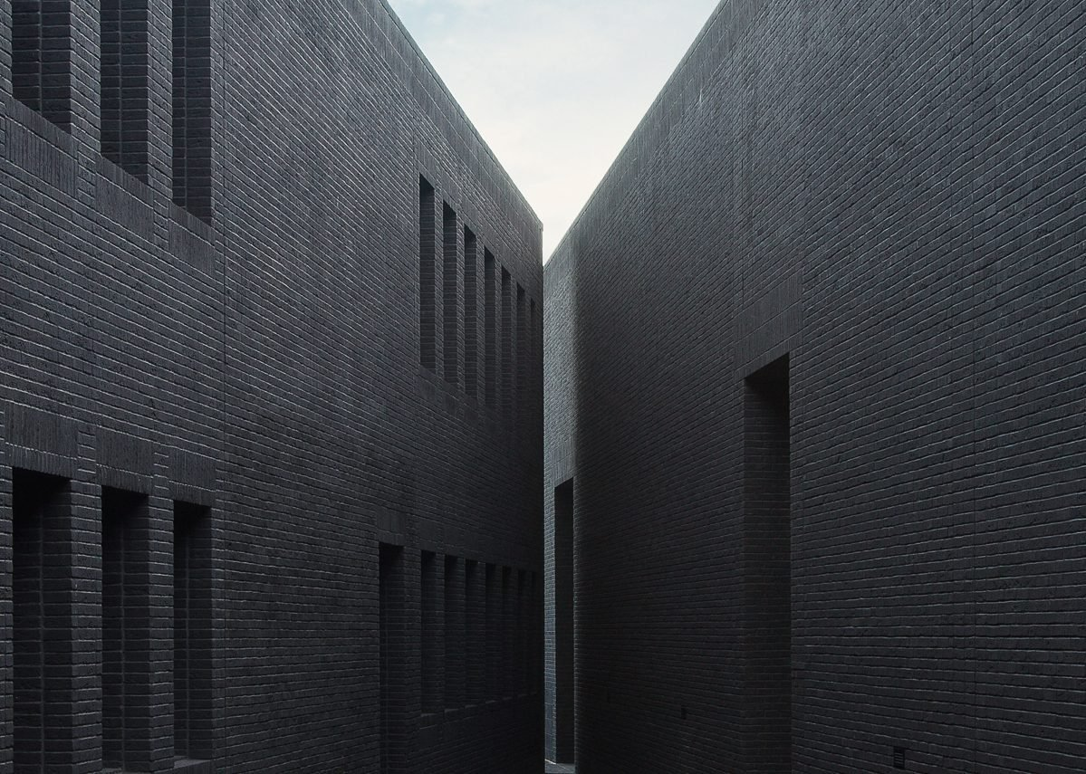 Vandersanden's award-winning Morvan brick at the Gdańsk Shakespeare Theatre. It is the blackest handform brick available.
