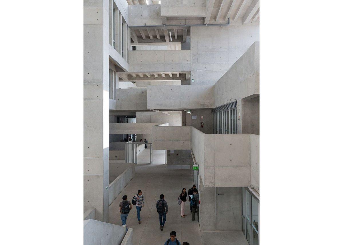 Universidad de Ingenieria y Tecnologia.