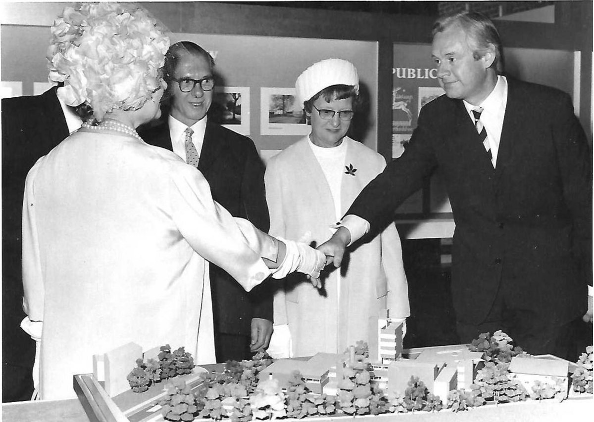 Gordon Taylor meets the Queen Mother at the opening of Campus West WGC in 1974.