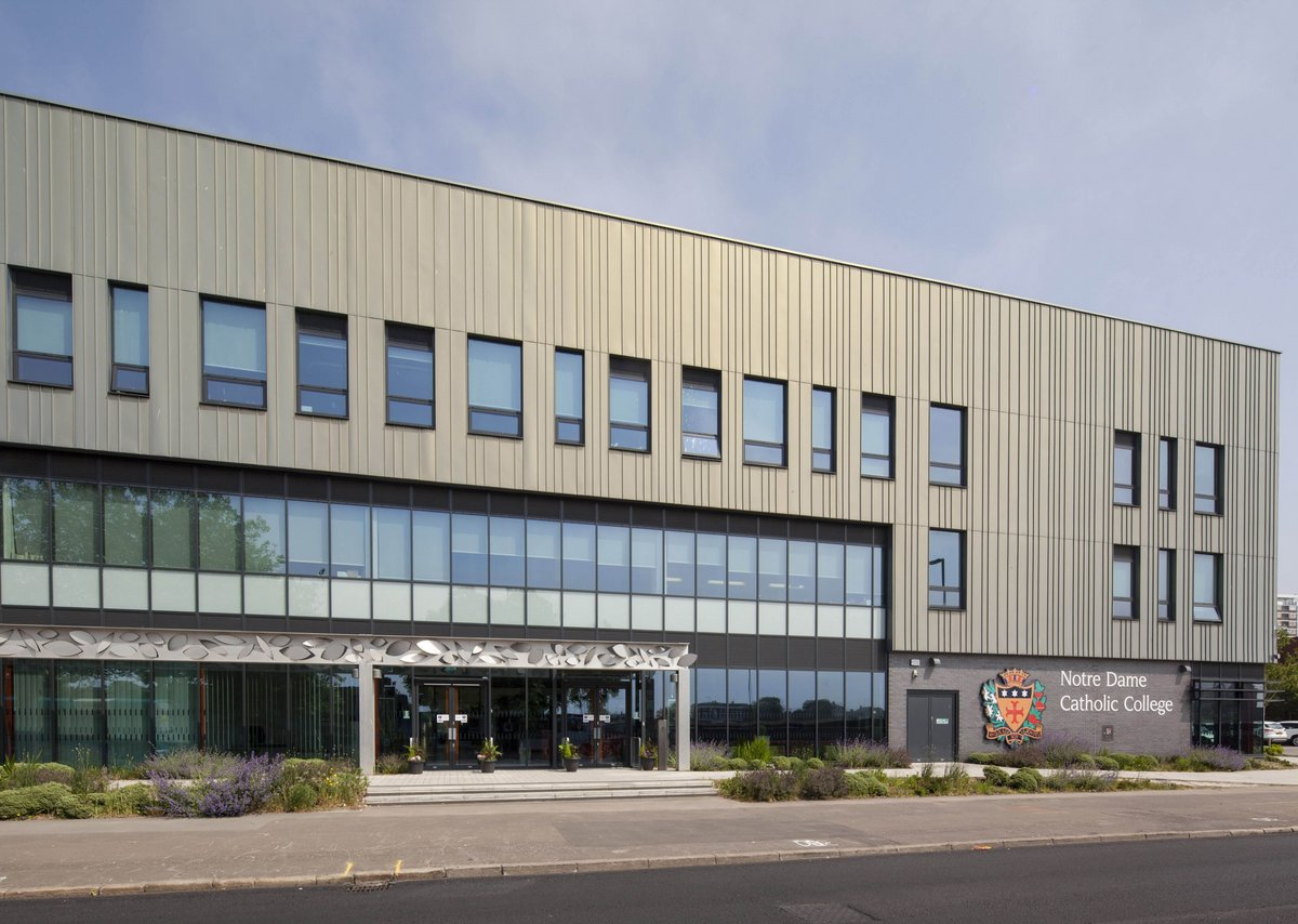 Over 3000m2 of Kingspan Kooltherm K15 Rainscreen Board was specified to insulate Notre Dame Catholic College, an innovative open-plan school.