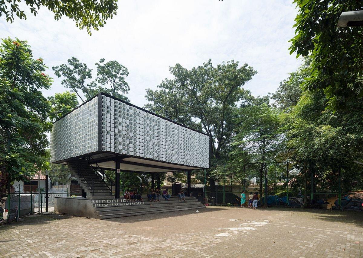 Taman Bima Microlibrary, Bandung, Indonesia, designed by SHAU Architects.