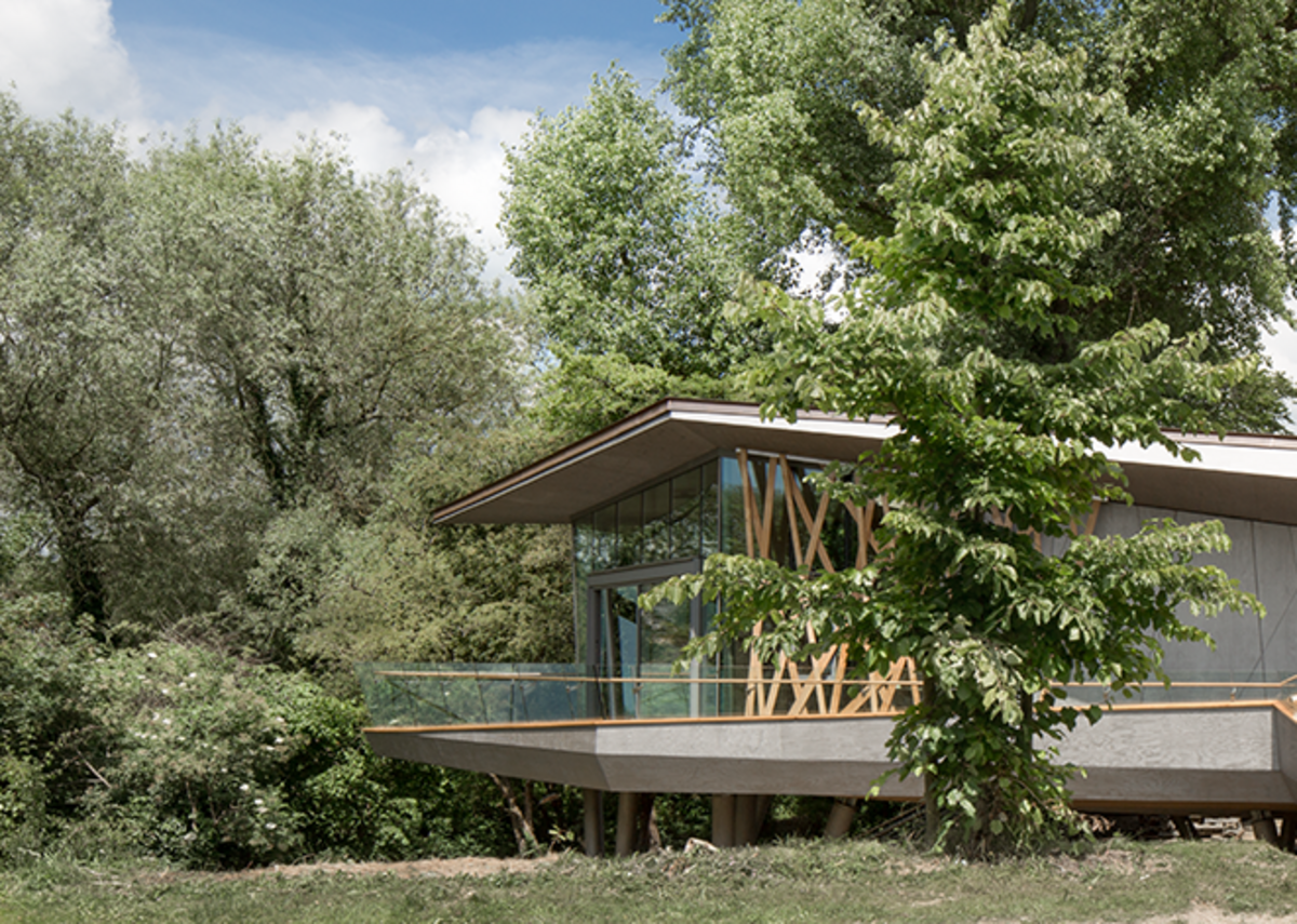 Maggie's Centre, Oxford, conceived as a treehouse raised above the landscape. Photo: © WilkinsonEyre