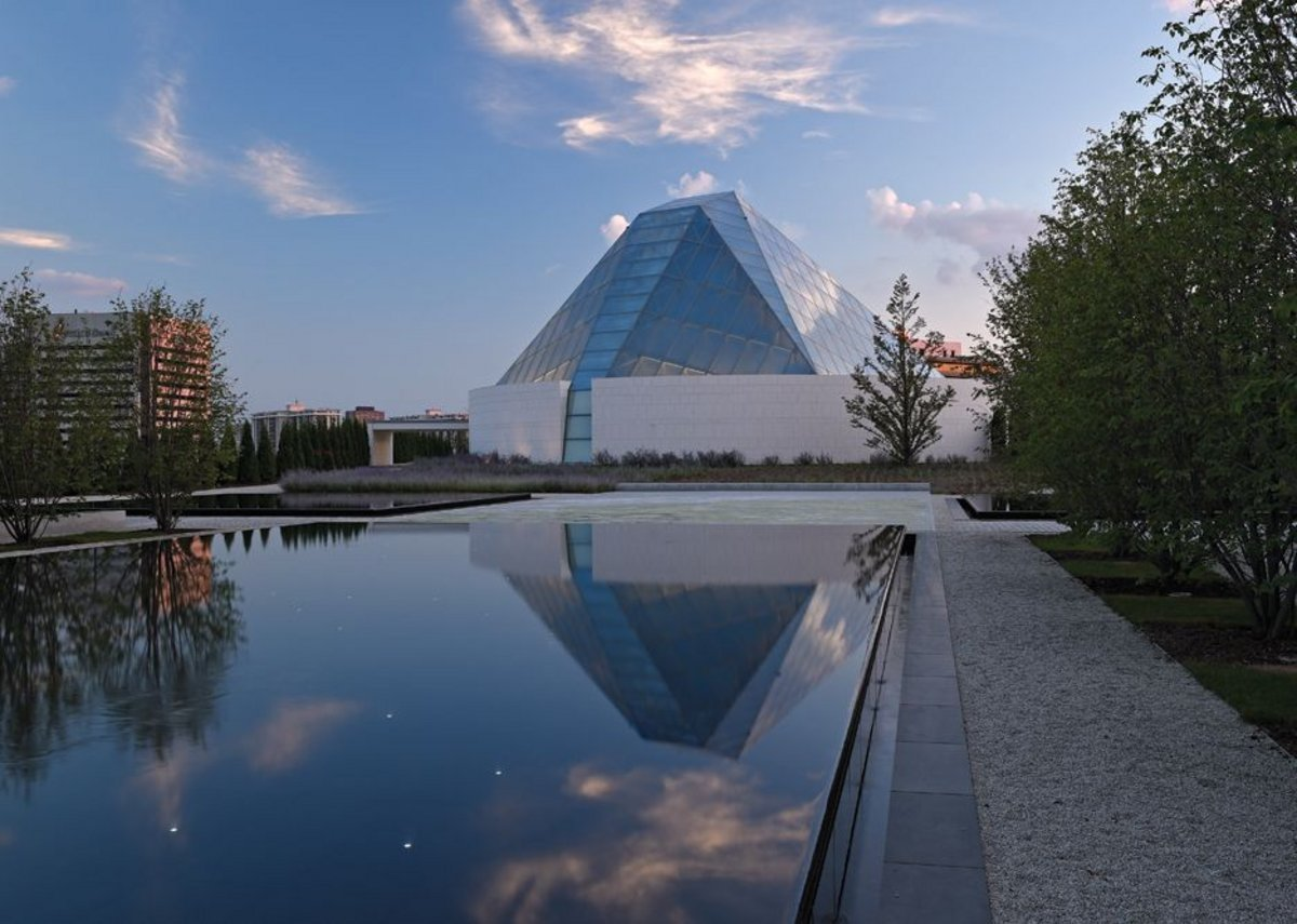 Landmark and beacon for the complex, Correa's steel and  glass prayer hall in his Ismaili Centre.