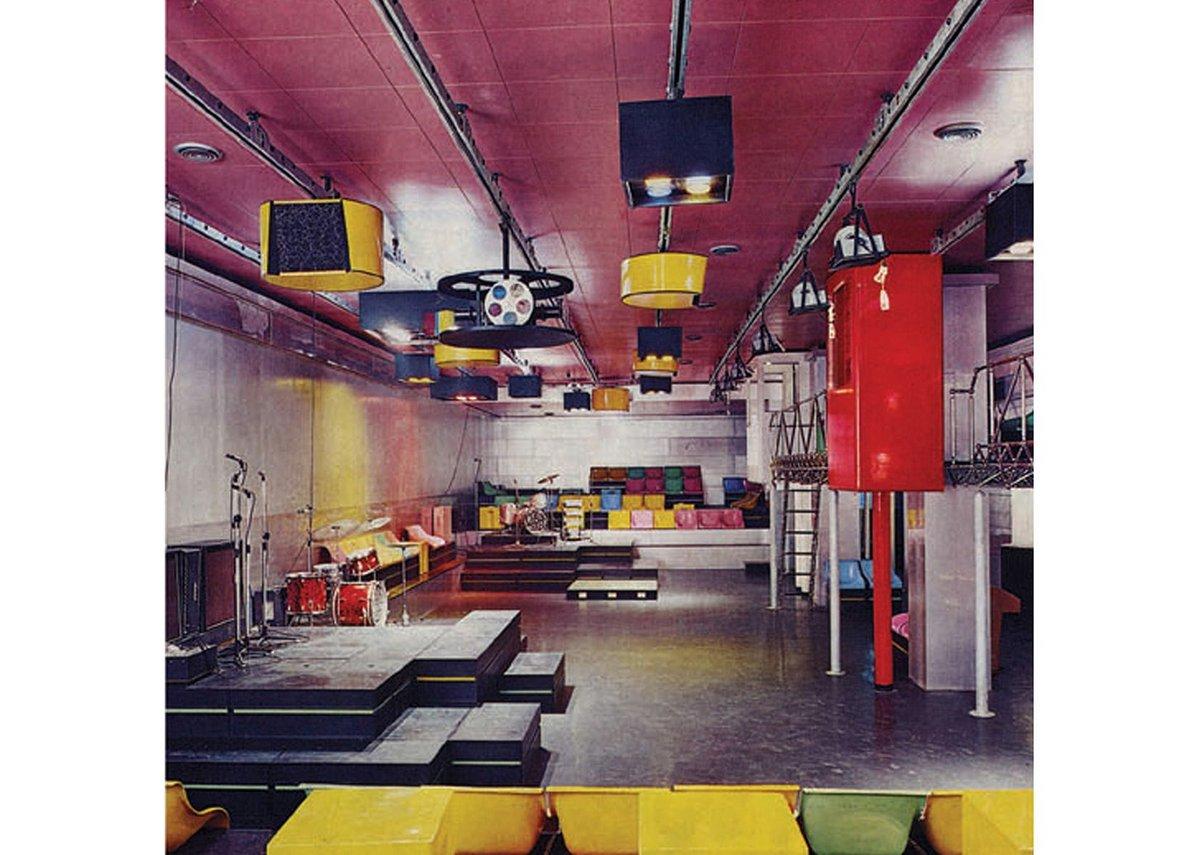 Interior of Piper, Turin designed by Pietro Derossi, Giorgio Ceretti and Riccardo Rosso, 1966.