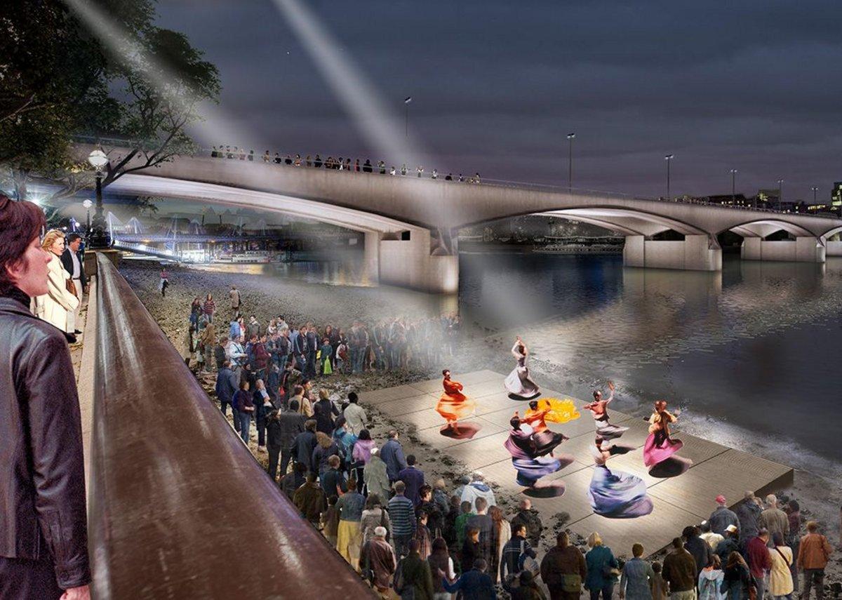 Waterloo Bridge – Performance at low tide.