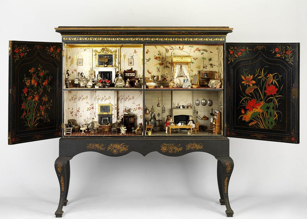 Opening up to a miniature world: the Killer Cabinet House from the 19th century.