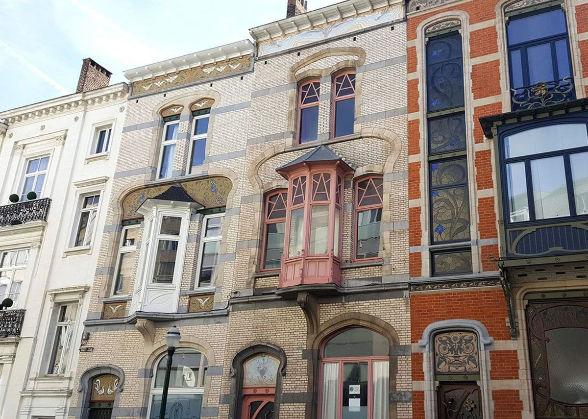 Maison Blerot in Ixelles (right) among its art nouveau neighbours.