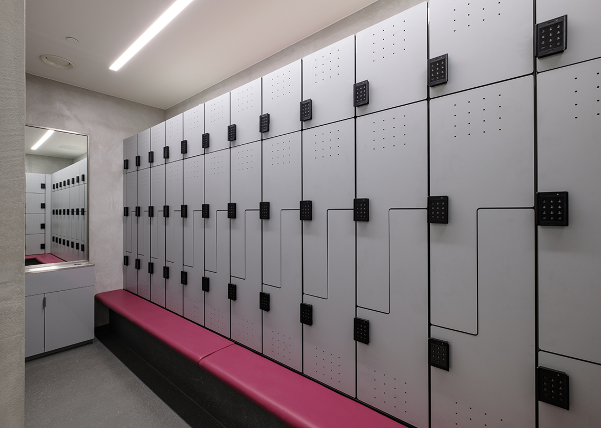 Forza Z-style workplace lockers are designed to store suits.