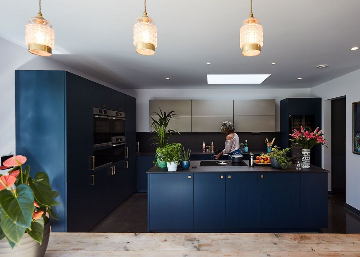 Fittings, including the kitchen units, were selected for low or no VOC content.