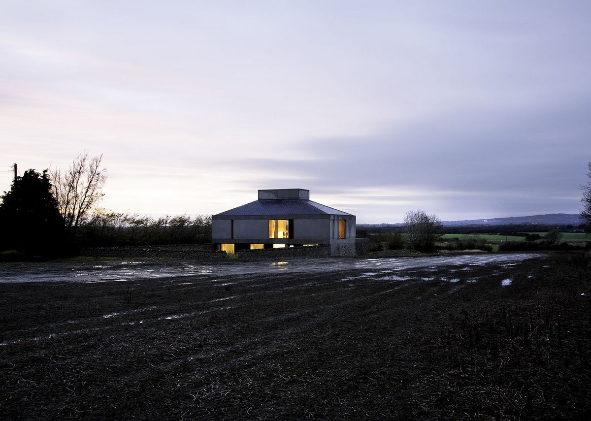 Steve Larkin Architect's House at Bogwest.