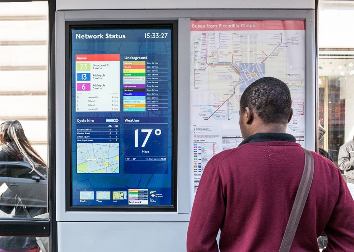 Digital Bus Shelter, Regent Street © TfL Visual Services.