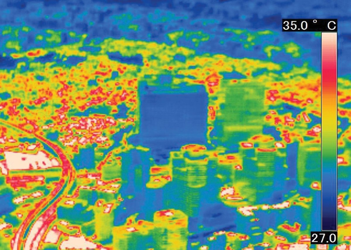 Aerial thermal image showing the cooling  effect of the ceramic east facade relative to neighbouring buildings