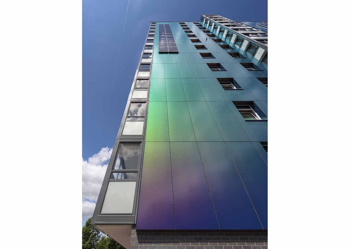 ROCKPANEL Chameleon is available in four colourways and in FS-Xtra grade to meet European fire class A2-s1, d0