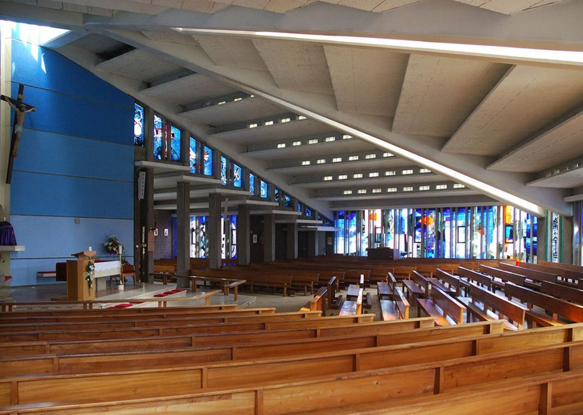 Interior of St. Thomas More church, Birmingham Sheldon.