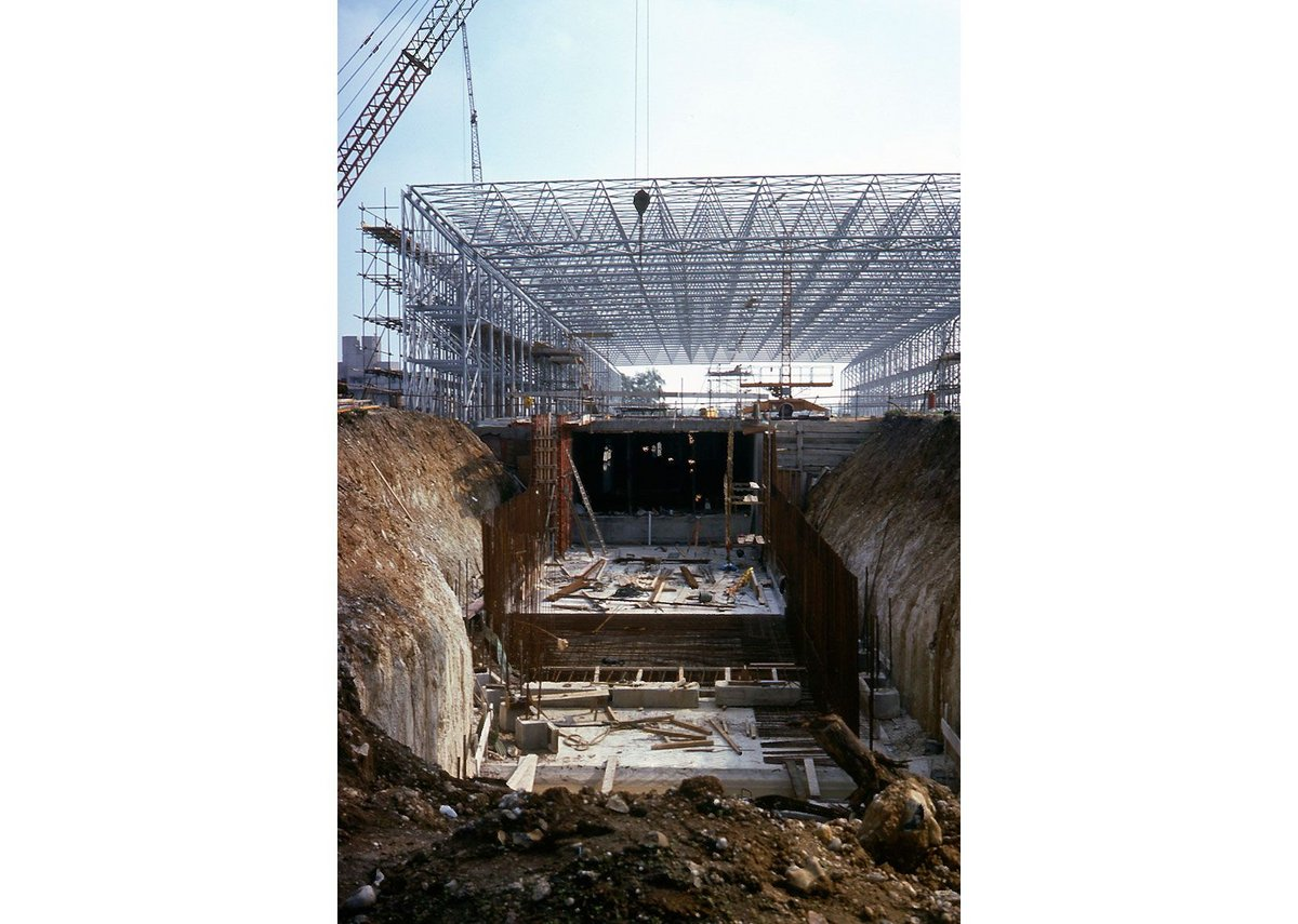 Sainsbury Centre construction 1975-1978