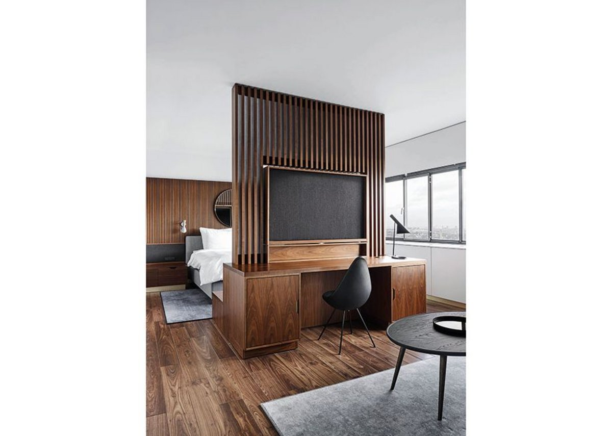 Bedroom suites once again reflect Jacobsen's sense of restrained luxury.