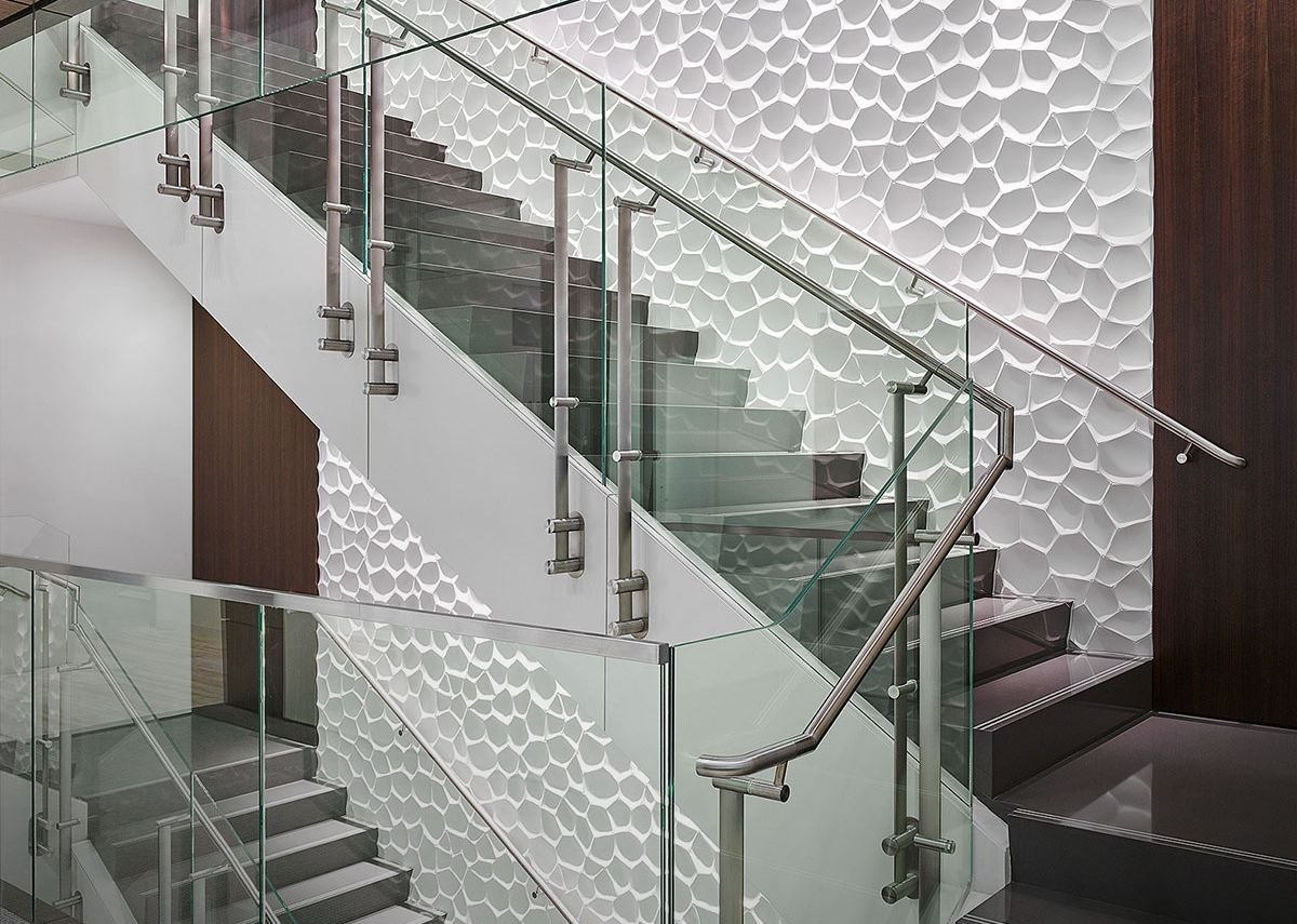 Konic handrail system at Cheniere Energy, Texas. PDR/HunterDouglas Architectural.
