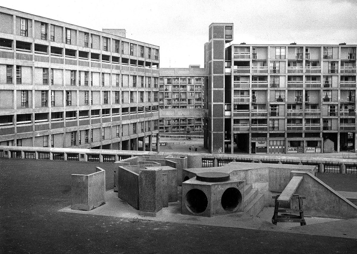 Park Hill Estate Sheffield 1962 (c) Arch Press Archive RIBA Library Photographs Collection.