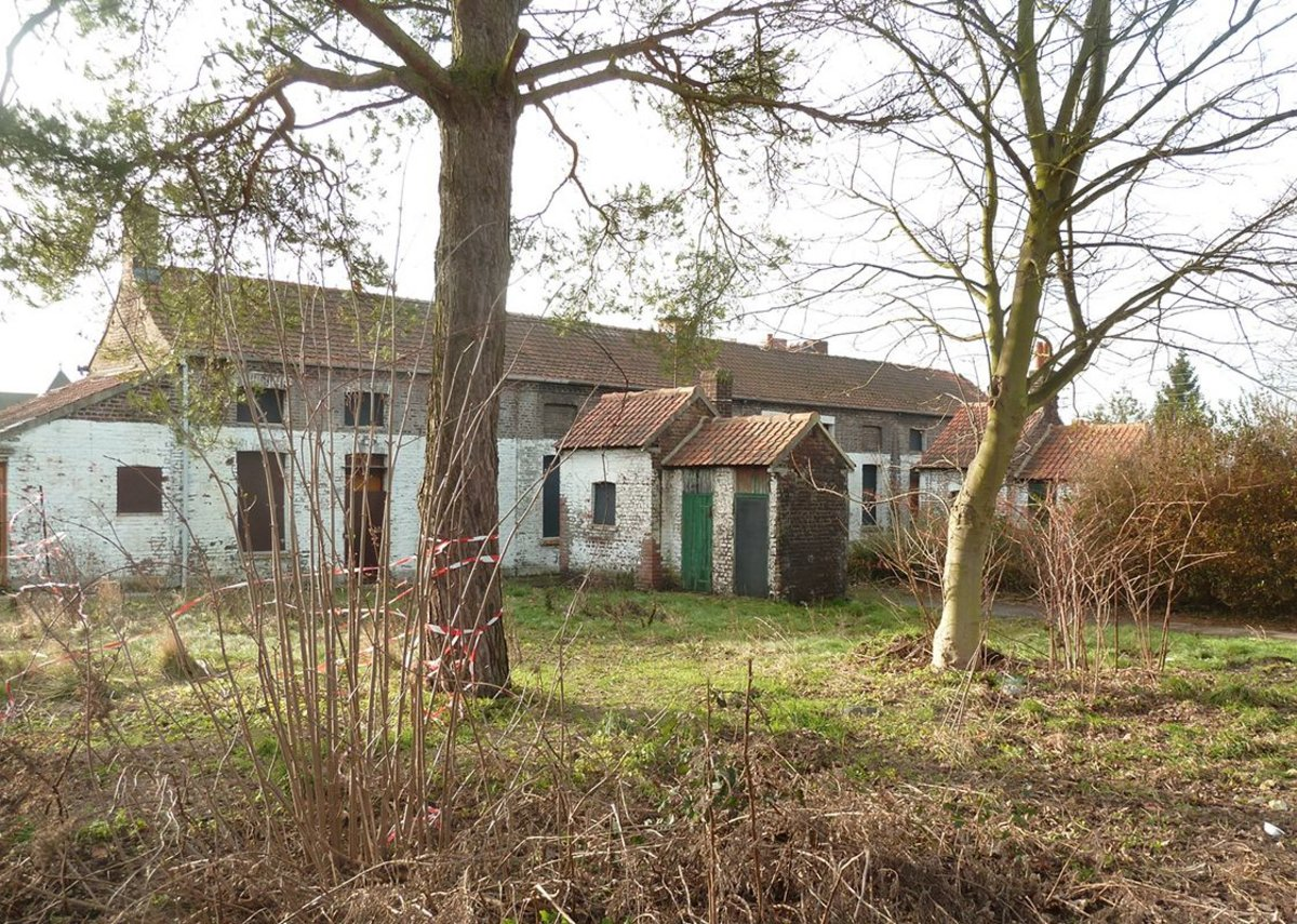 Deserted and derelict, the Cité as found in 2013.