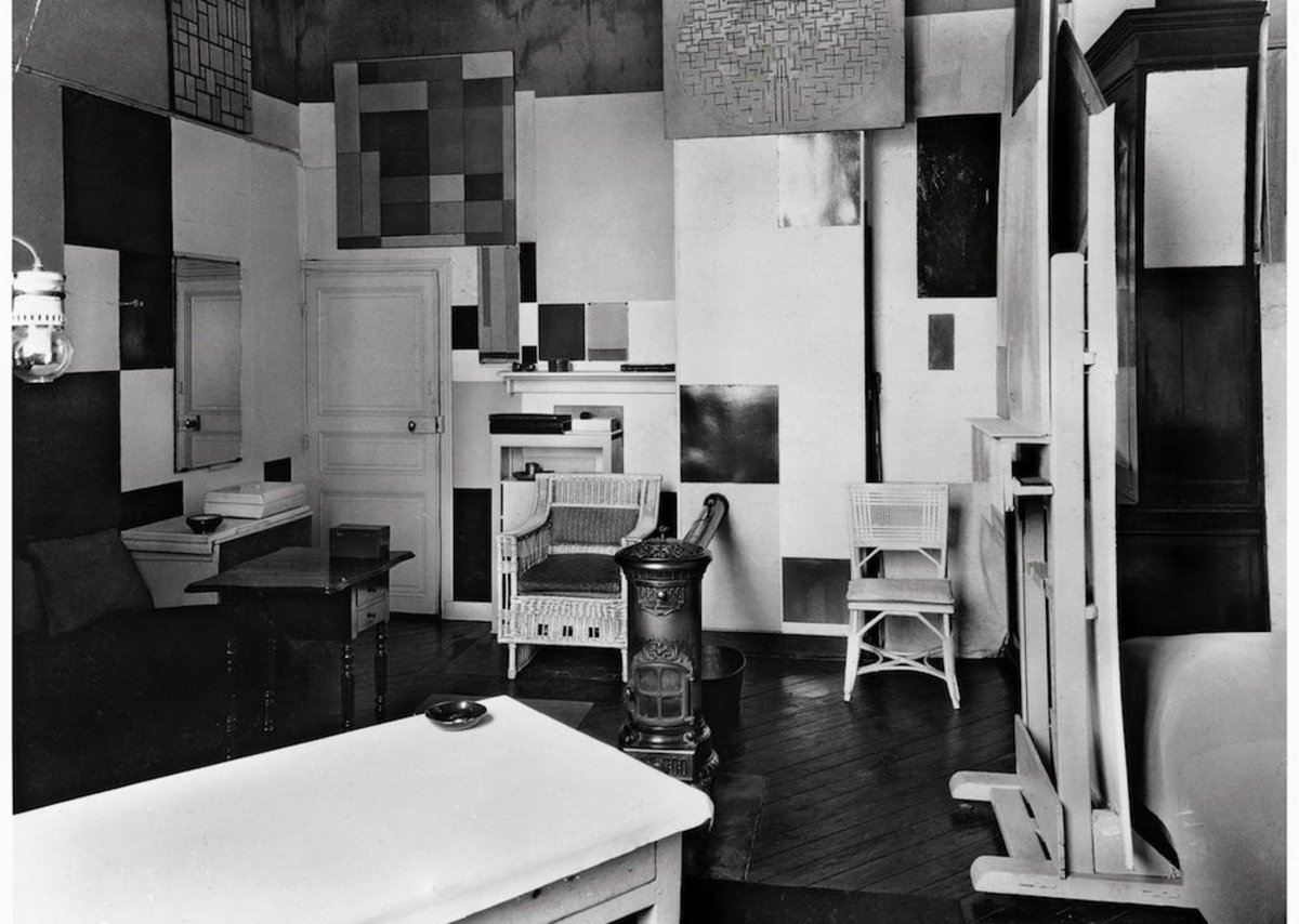 Mondrian's Paris studio in 1926.