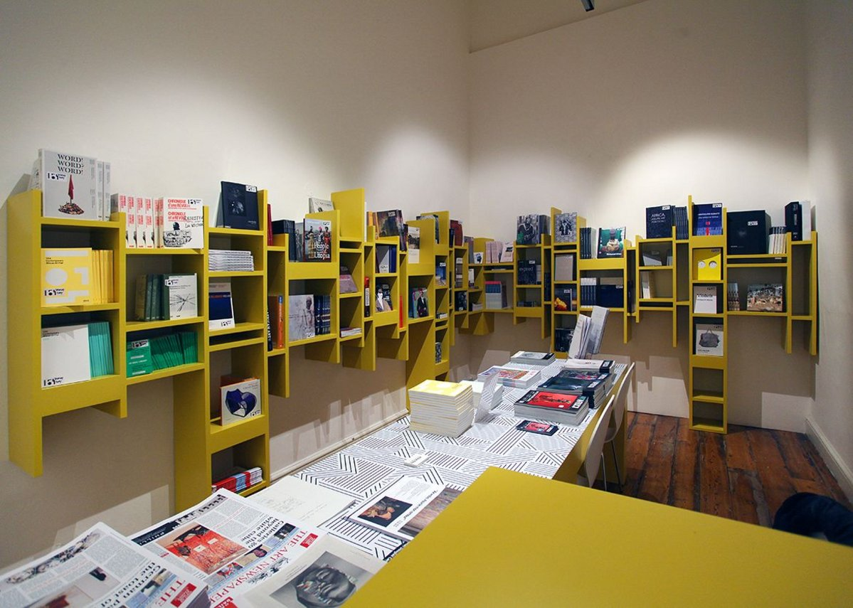 Rashid Ali Architects - Temporary Bookshop for 154 Contemporary African Arts Fair, Somerset House