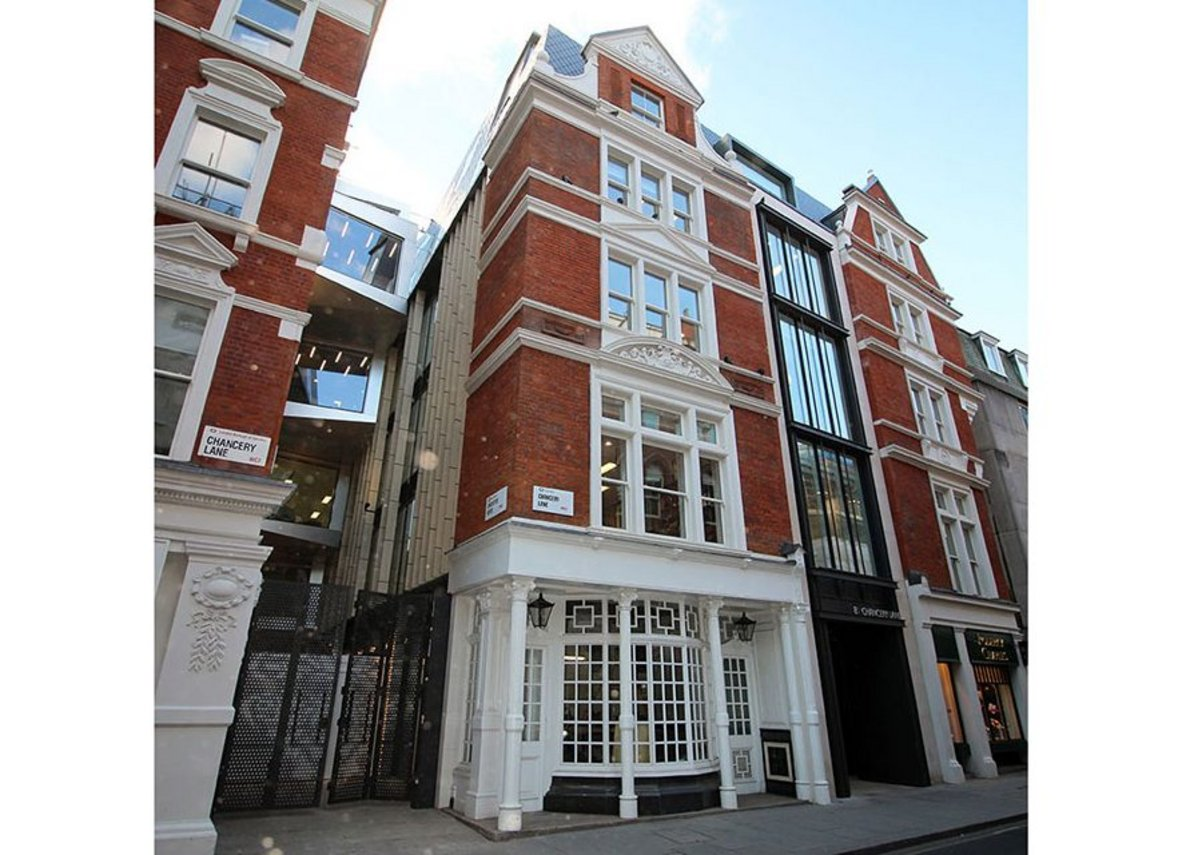 Double-glazed timber sash windows from the Lomax + Wood Kensington & Chelsea range, Chancery Lane, London.