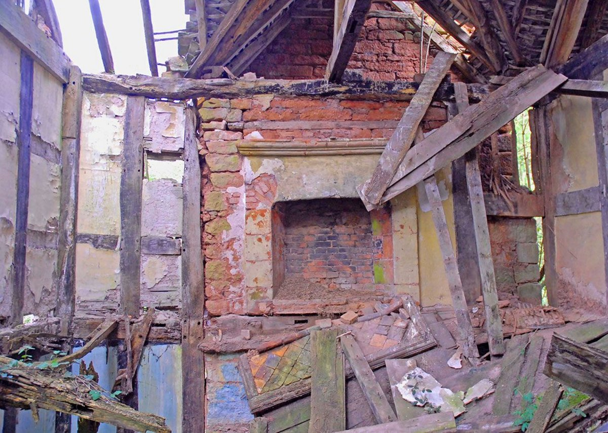 It had been derelict since the 1970s and several roof timbers were waiting to fall.