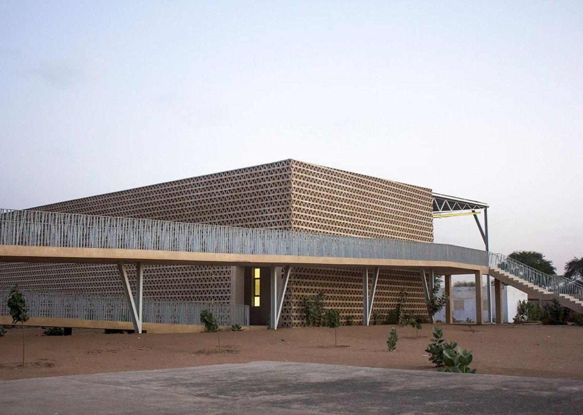 Alioune Diop University Lecture Building. Bambey, Senegal, designed by IDOM.