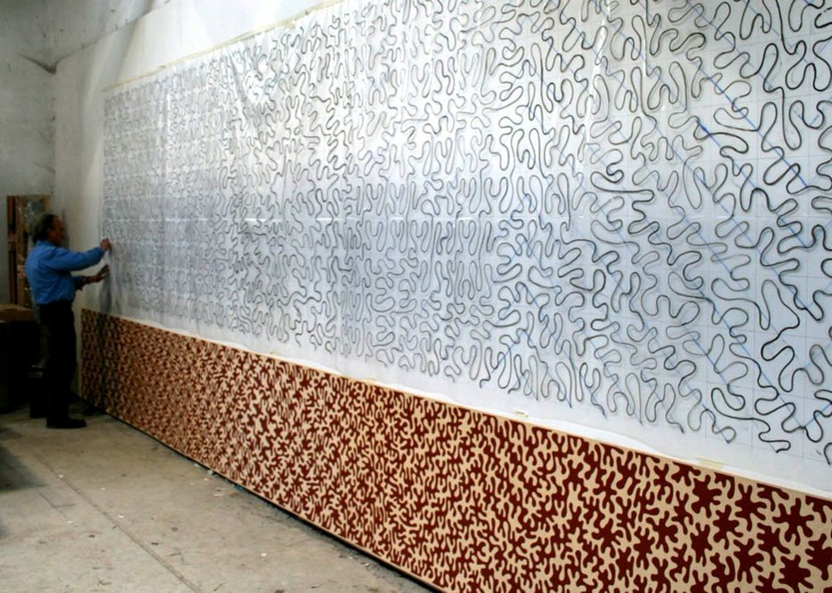 Peter Randall-Page drawing the frieze.