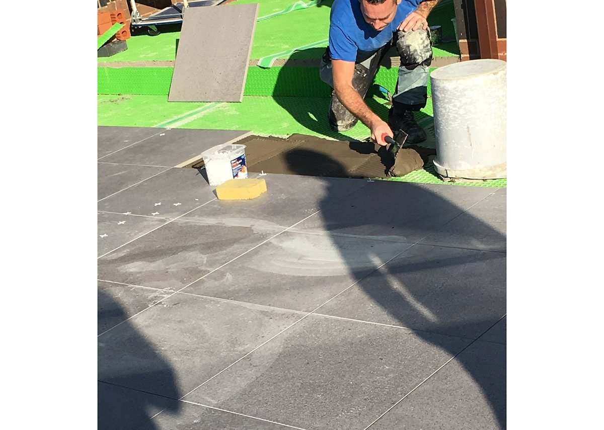 The Kerakoll waterproofing systems allow for the immediate laying of natural stone and ceramic tiles.