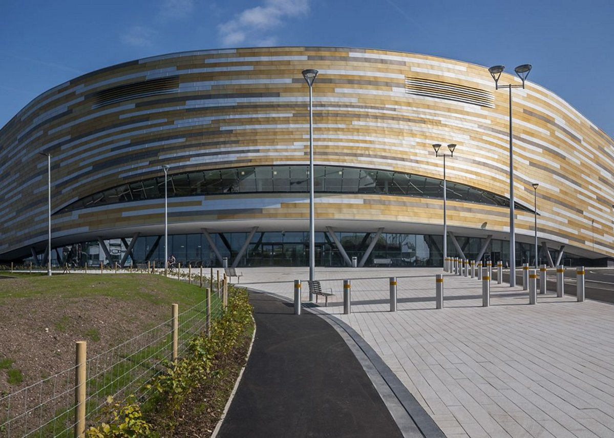 A highly-efficient steel-framed structure gives Derby Arena a state-of-the-art multi-use sports facility. FaulknerBrowns with steelwork by Billington Structures.