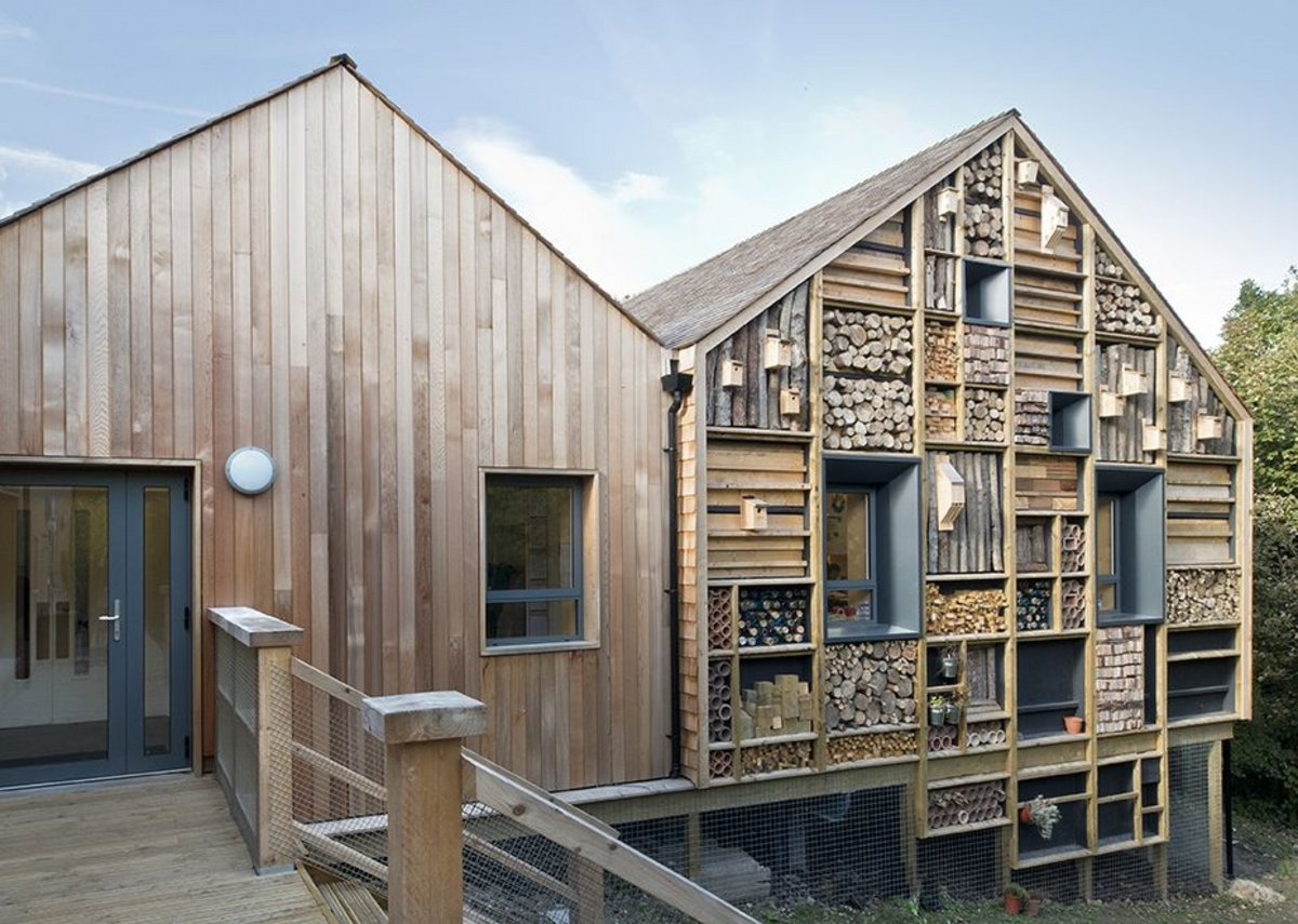 Education and public sector – Mellor Primary School near Stockport by Sarah Wiggleworth Architects. Serving the Forest School ethos, made of glulam frames.