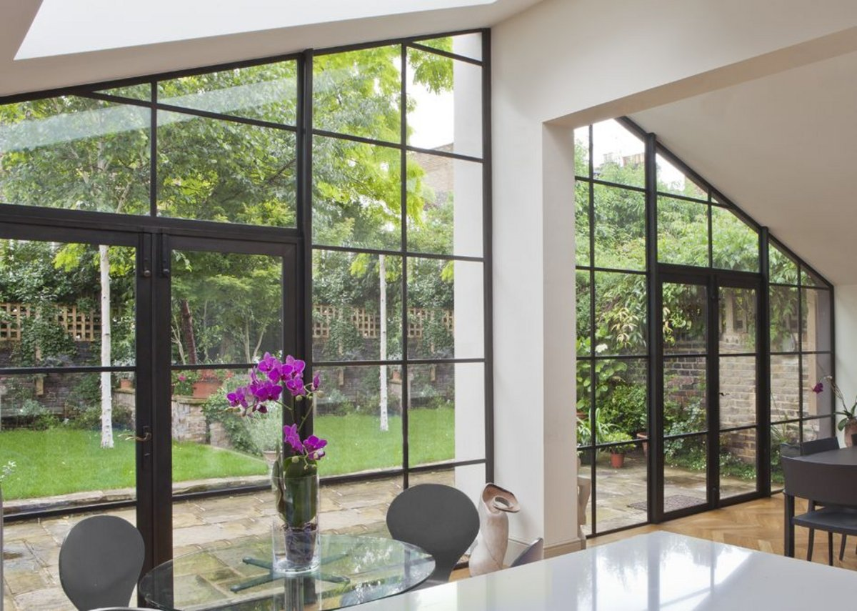 Architectural Bronze Casements' screens are made from a high tensile manganese brass alloy, termed architectural bronze - an attractive, durable material.