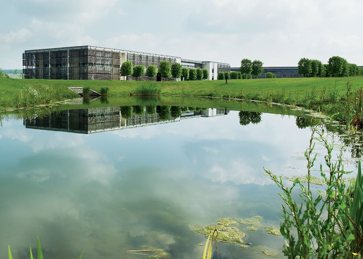 2002 - 2003: Rolls Royce Manufacturing Plant & HQ, West Sussex, UK.
