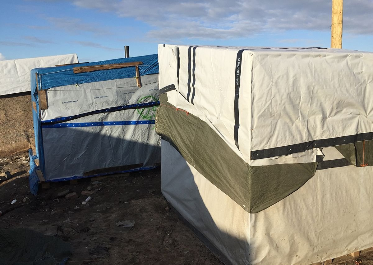 Shelters in the Calais camp