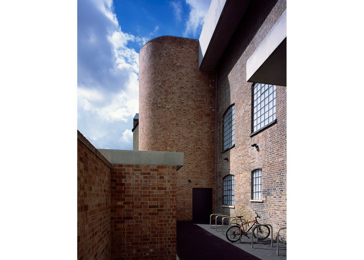 Northcot Brick can closely match the 'common' style brick of listed buildings.