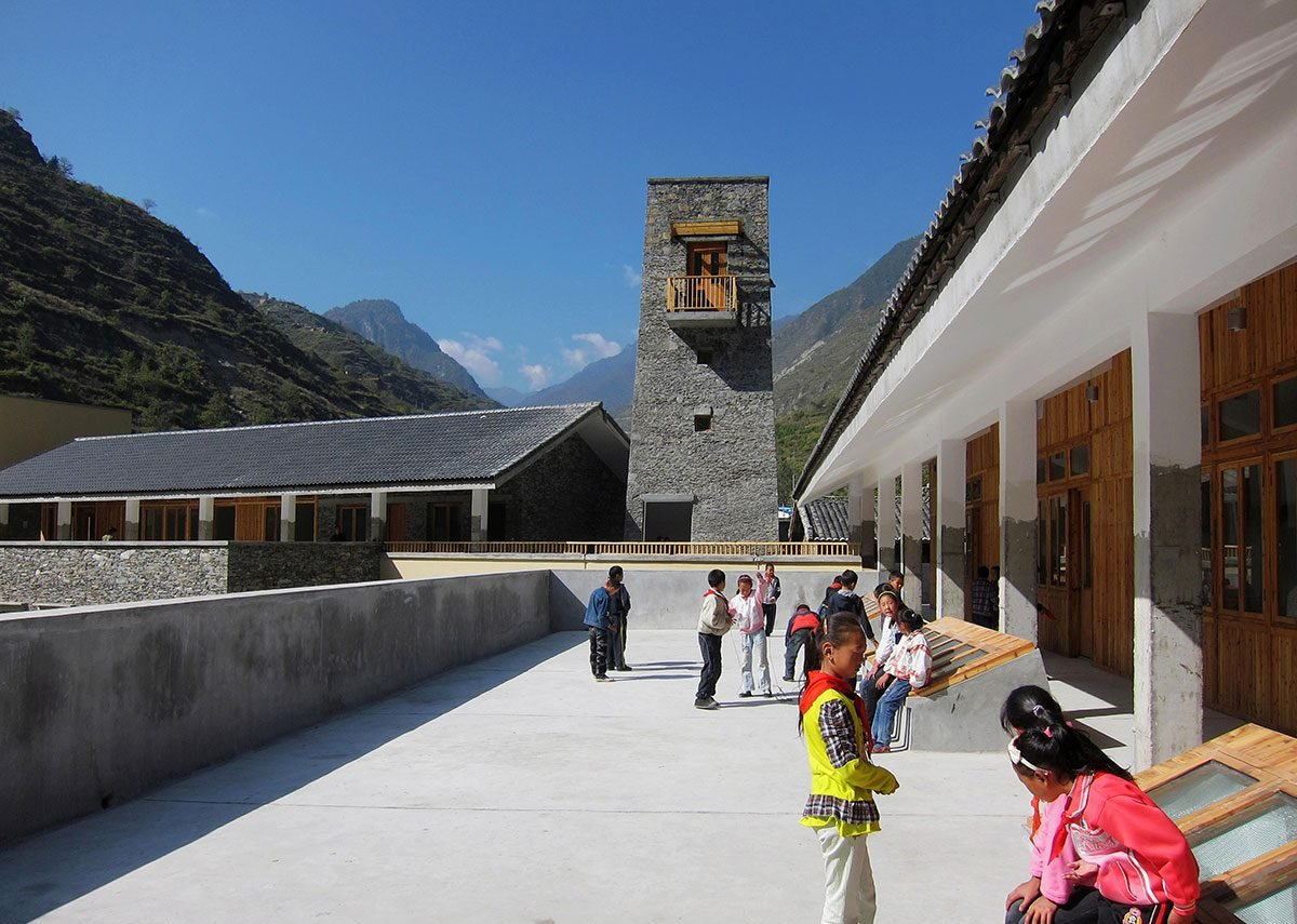 Black Tiger Primary School, Mao County, 2010. Photo by Dong Mei. © Courtesy of BCKJ Architects
