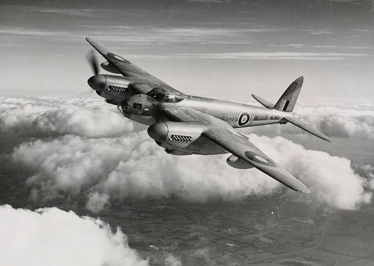 British de Havilland Mosquito, 1941.