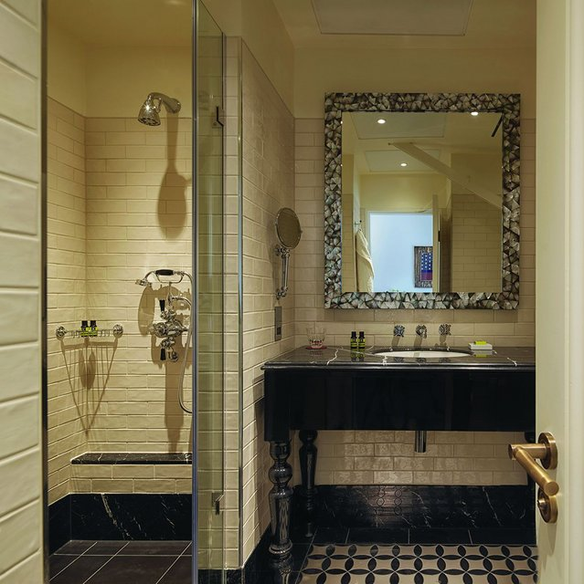 Stylish wetrooms at Lalit London