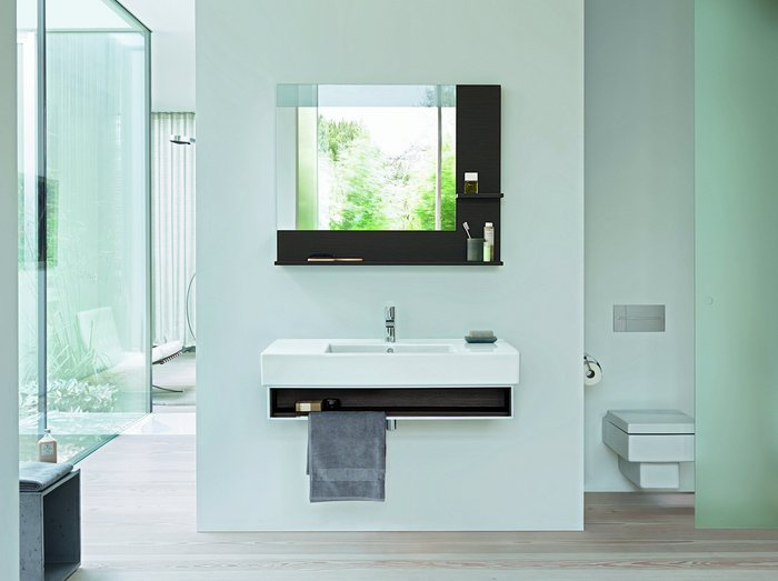 The shelf and mirror surfaces are designed as an integrated, harmonious whole.
