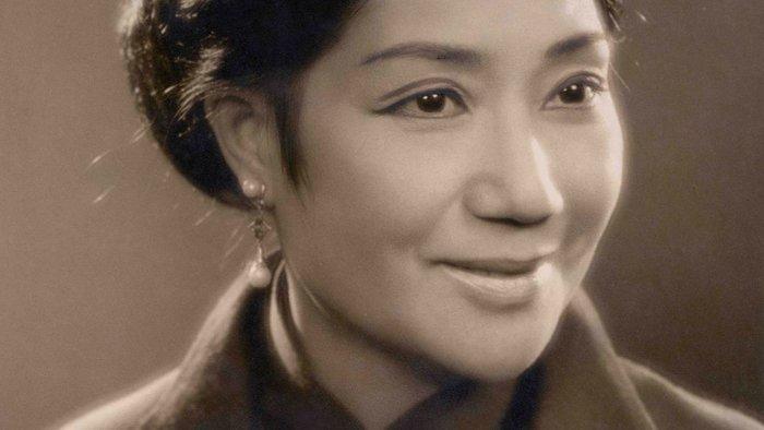 Portrait of Nancy Sheung.