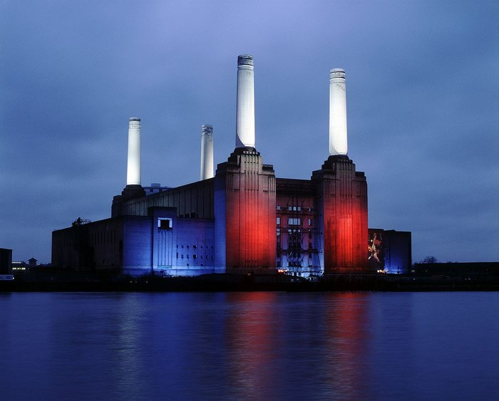 1933 Sir Giles Gilbert Scott, Battersea Power Station.
